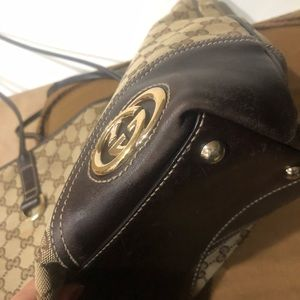 Gucci Bags - 💯 % Auth. GUcci tote